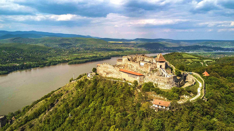 We offer a one-day long transfer and scenic tour - if you are not in a hurry to Budapest or Vienna. The best way to name this trip might be A journey into the history of Hungary